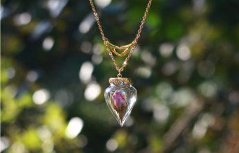 collier bouton de rose saint valentin promesse d'amour