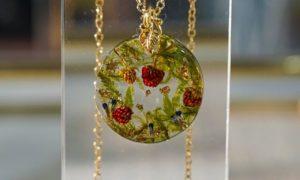 collier femme fraises des bois callyhandmade